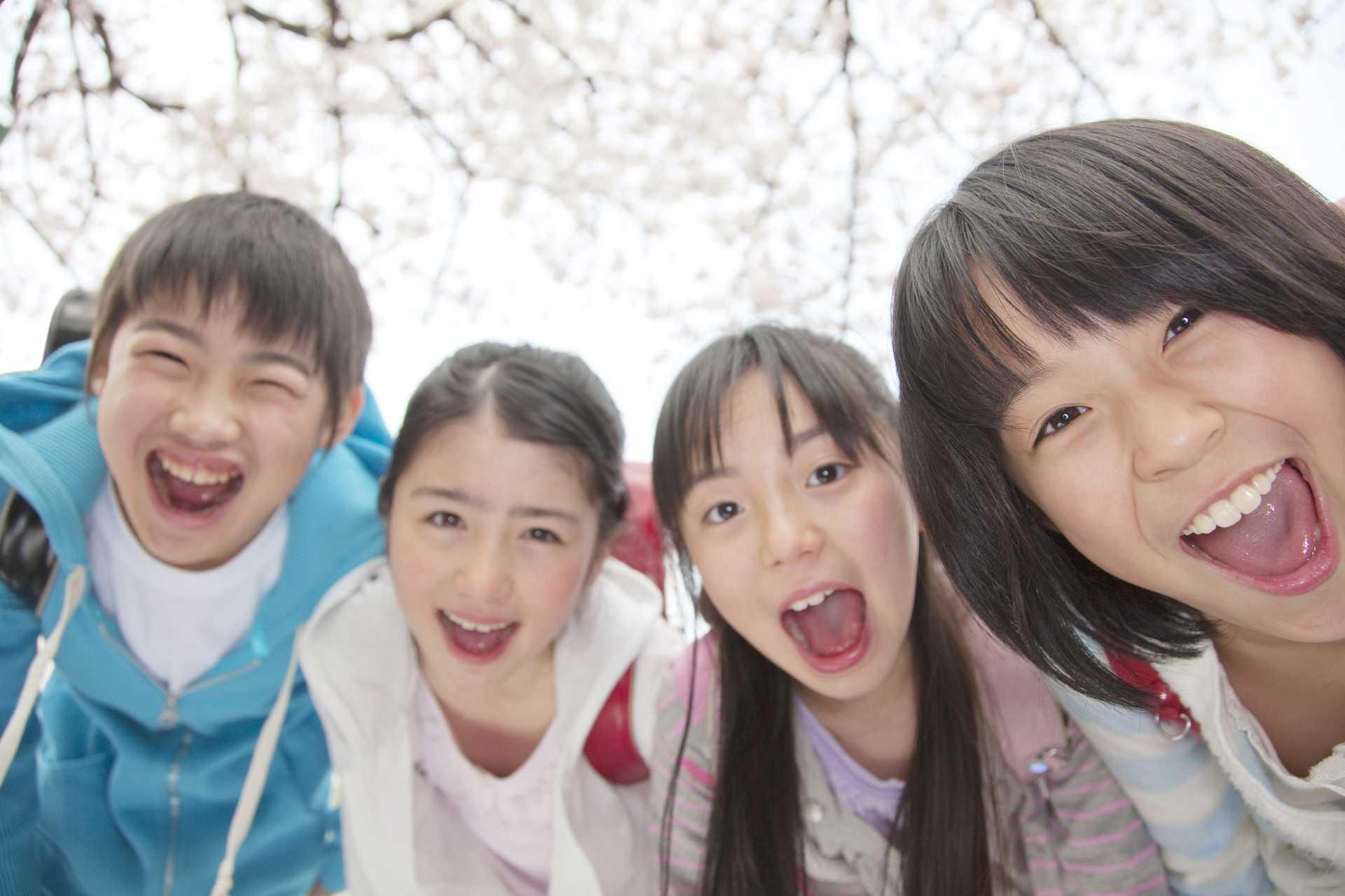 大人より子供のほうが、よく笑っている。「明るい毎日」は、子供のほうが詳しい。 | 毎日を明るく楽しく過ごす30の方法