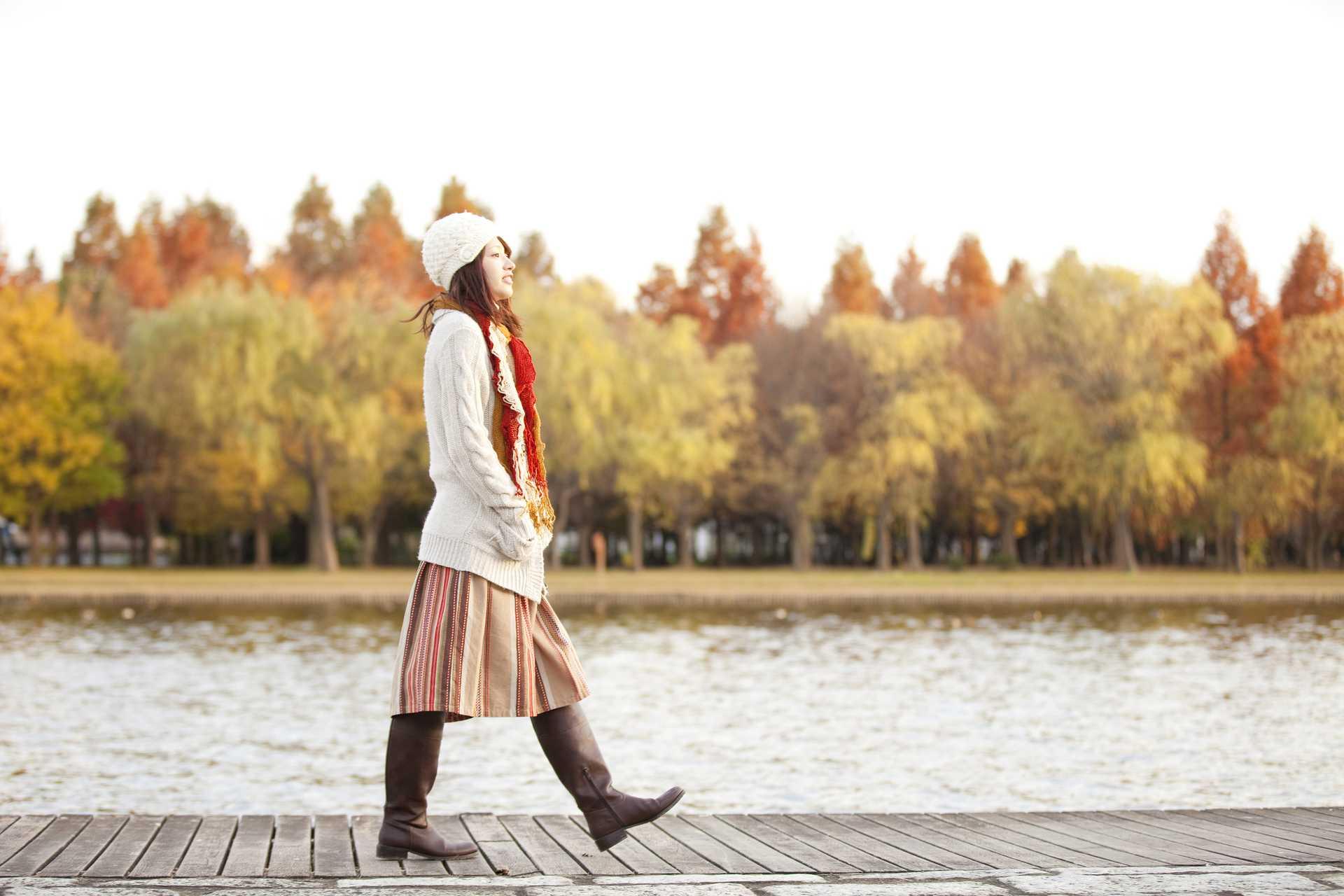 散歩を習慣にしていれば、元気とやる気は自然に出る。 | 運がいい人の30の習慣