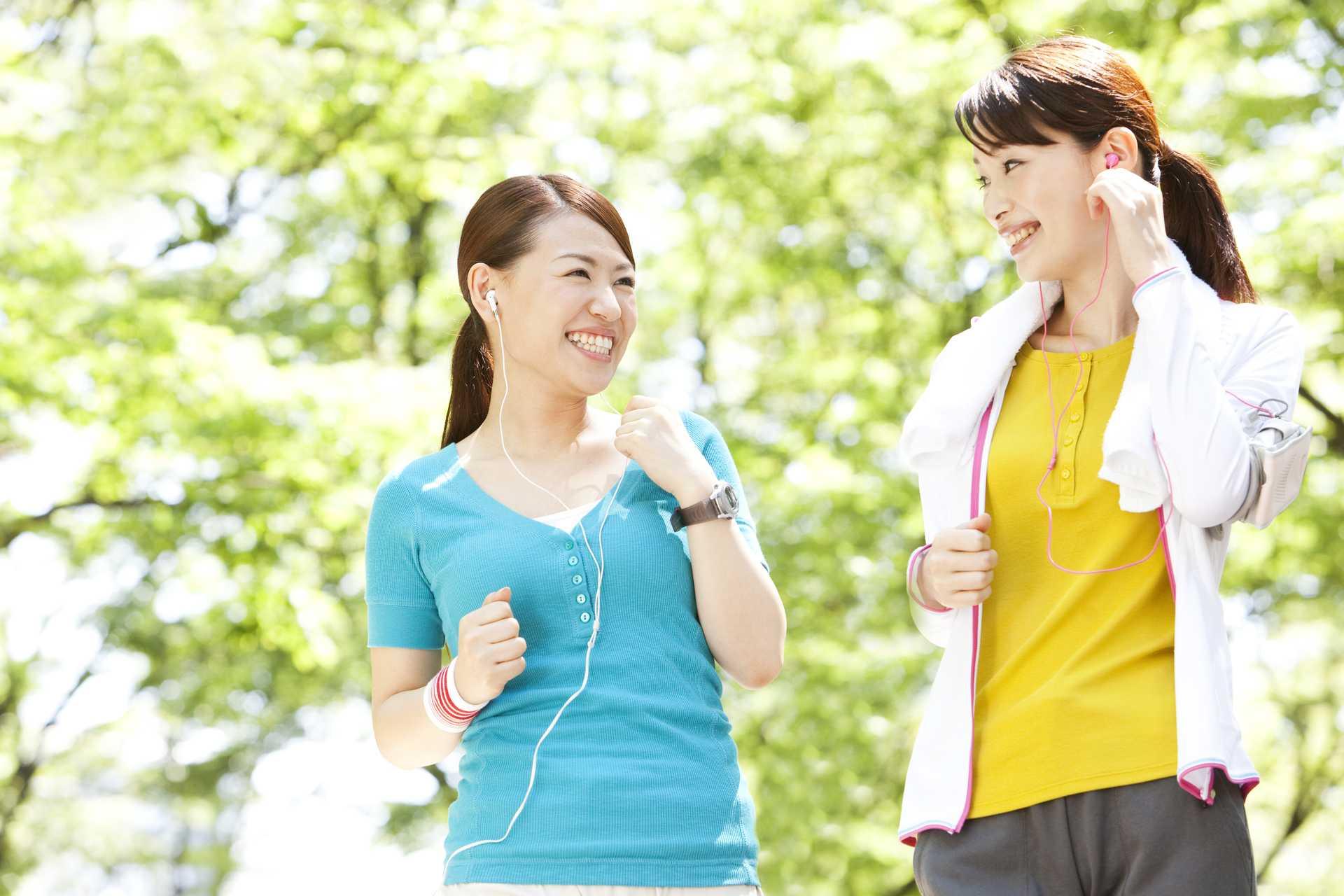 音楽は、テンションを最高潮まで一気に押し上げてくれる。   散歩の楽しみ方に気づく30のポイント