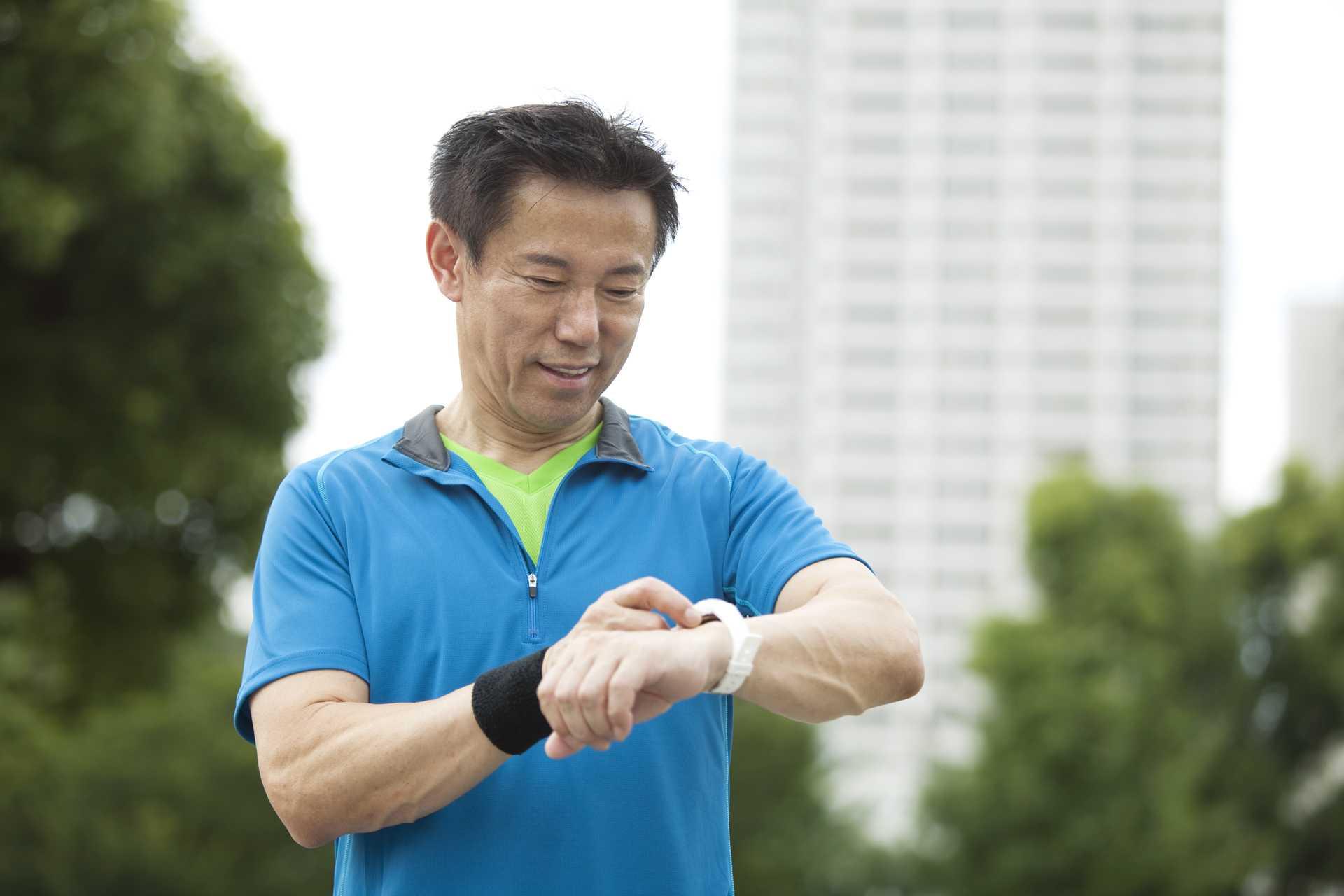 歩数計は、歩数を測るだけの道具ではない。やる気を発生させる効果もある。 | 健康のためになる30の散歩術