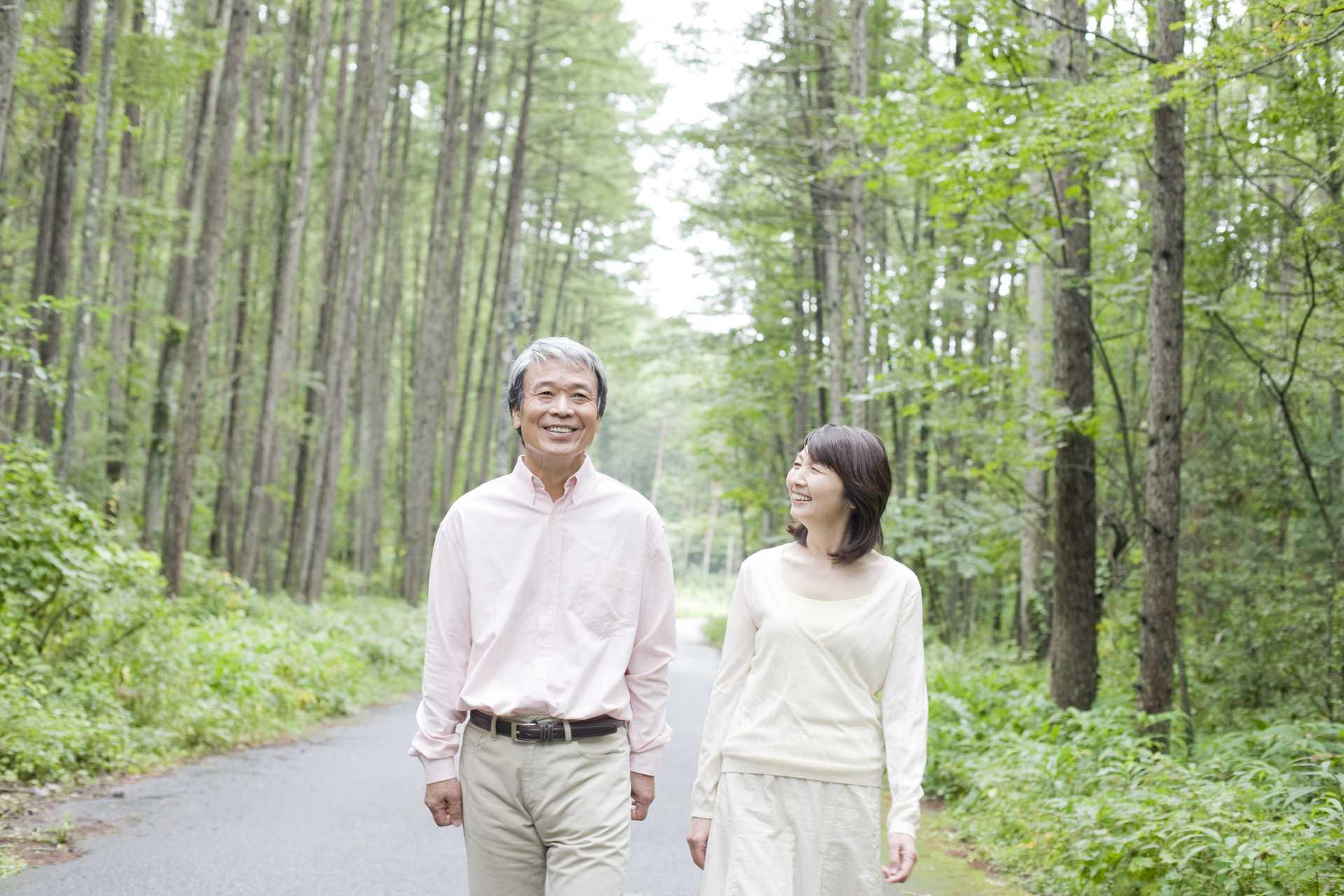 外を歩くだけで、自然と免疫力が上がる。 | 健康のためになる30の散歩術