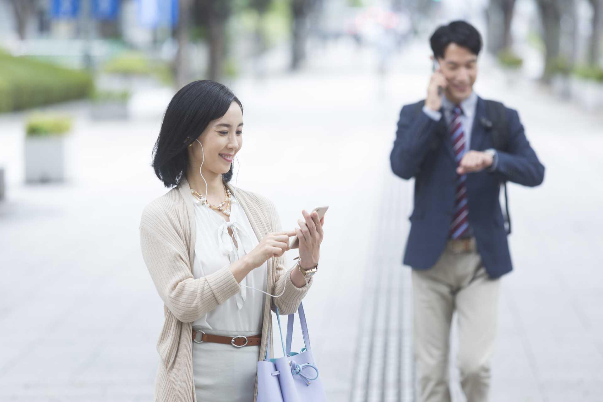 歩きながらのほうが、英会話のリスニングがよく聞き取れる。 | 脳を刺激する30の歩き方