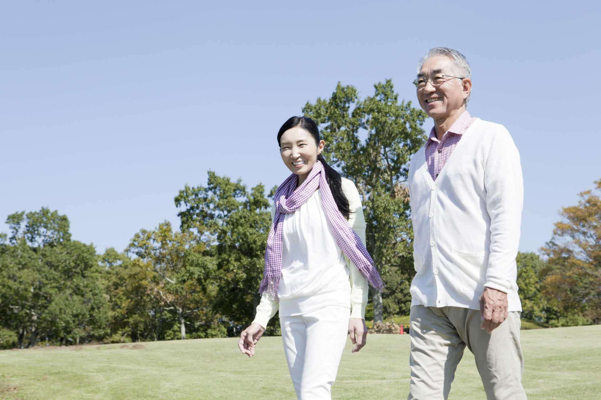 歩くことは、腰痛に効く。 | 脳を刺激する30の歩き方