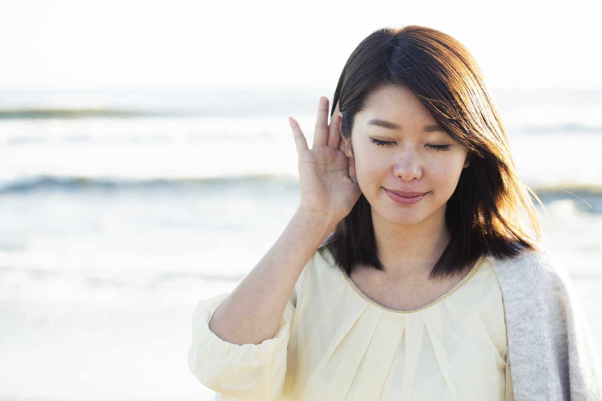 耳を澄ませば、聞こえなかった音が聞こえるようになる。 | 脳を刺激する30の歩き方